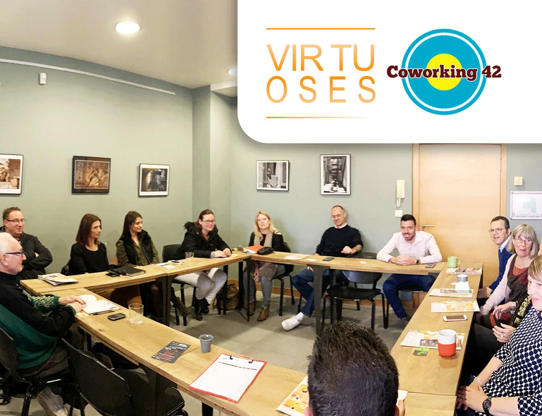 Photo du business club Coworking42 en réunion à Fréjus